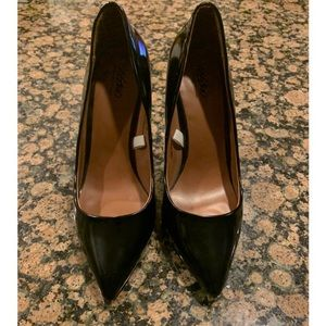 Women's Black High heel pumps